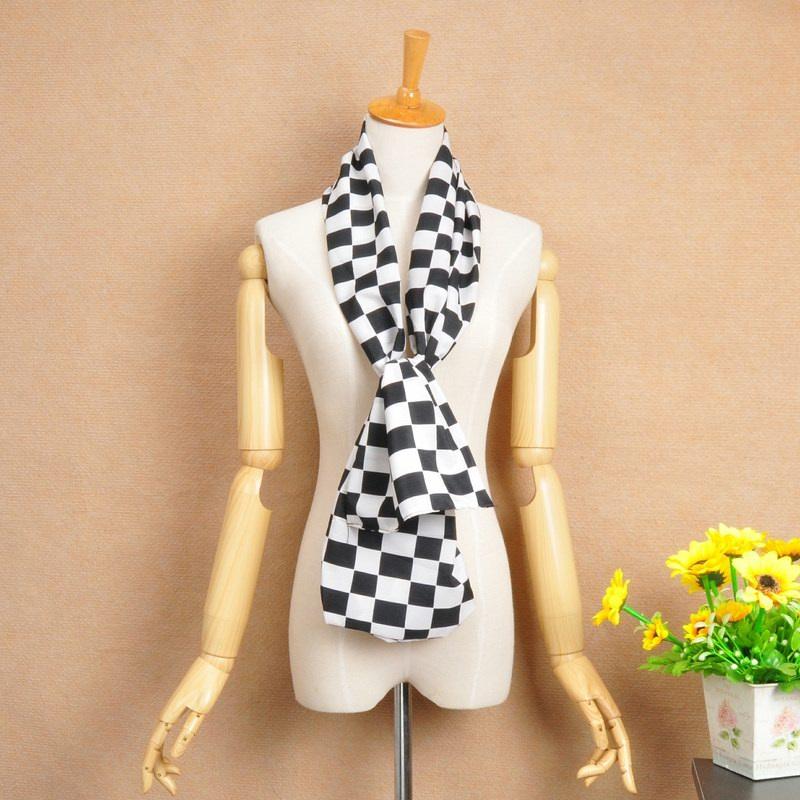 15 Black and White CHECKS design silk scarf - Click Image to Close
