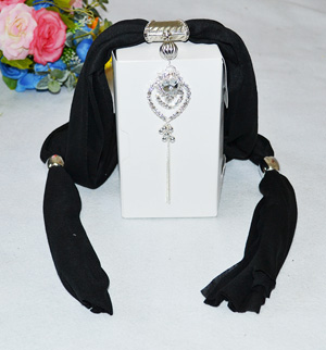 Black color jewelry Scarves Manufacturers
