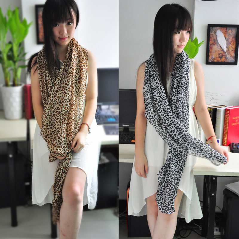 1 Animal Print Cotton Scarf Wholesale - Click Image to Close