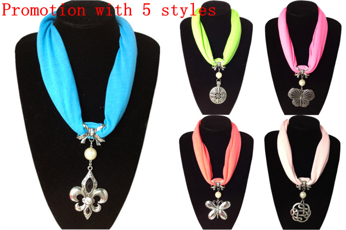 SEO_COMMON_KEYWORDS Fashionable short jewelry scarf with pendants attach UK