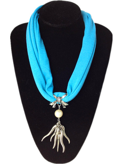 Fashion pendant scarf suppliers in Paris