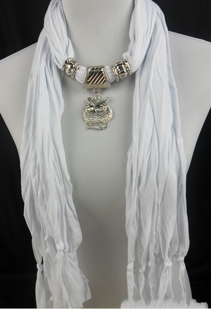 UK Pendant scarves wholesale