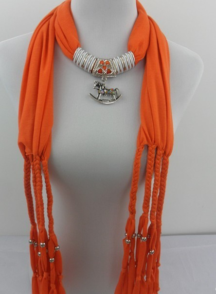 Canadian fashion alloy Phoenix neck
