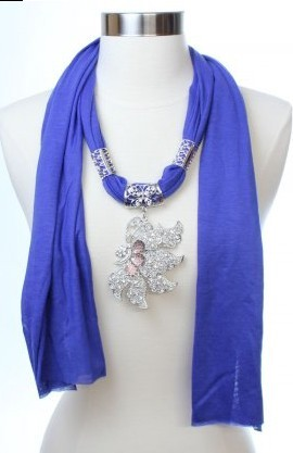 USA leaf shaped pendant necklace scarf Wholesales