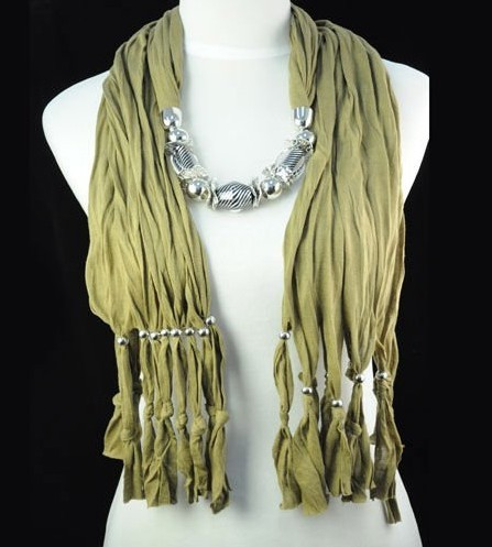 New style pendant necklace scarf wholesale in UK