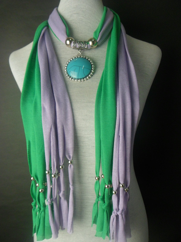 2013 New 2 Colors Jewelry Scarf with Fashion Pendant attached