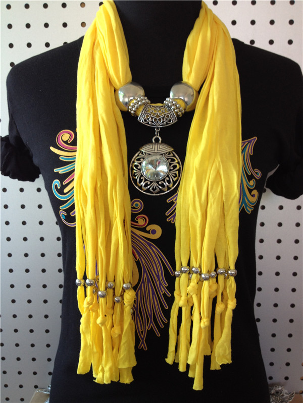 Fashion Pendant Scarf with Round charms