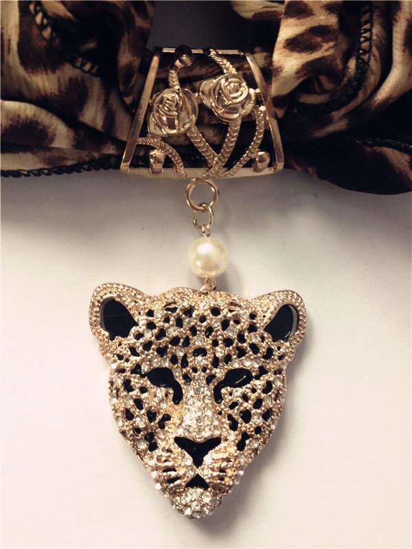 1 Wholesale Jewelry Scarves with Tiger head design pendants atta