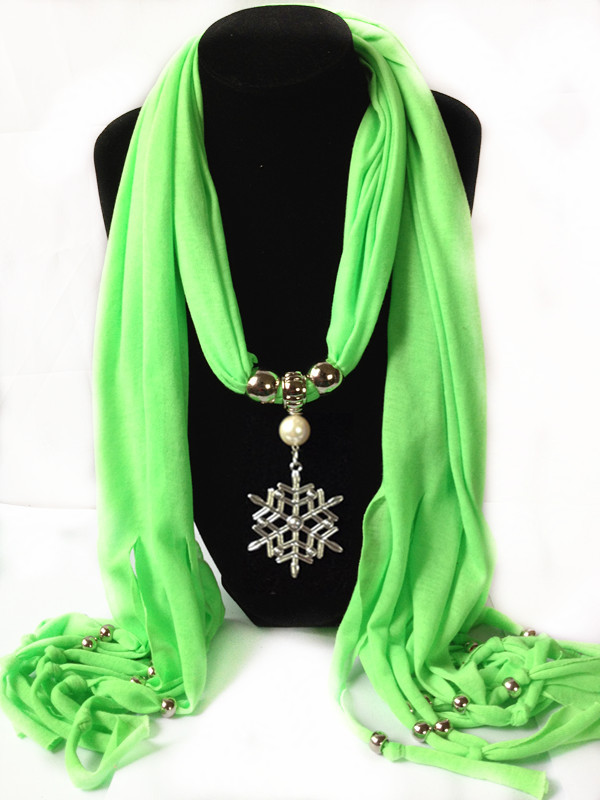 1 Christmas Jewelry Scarf With Snowflake Design pendant