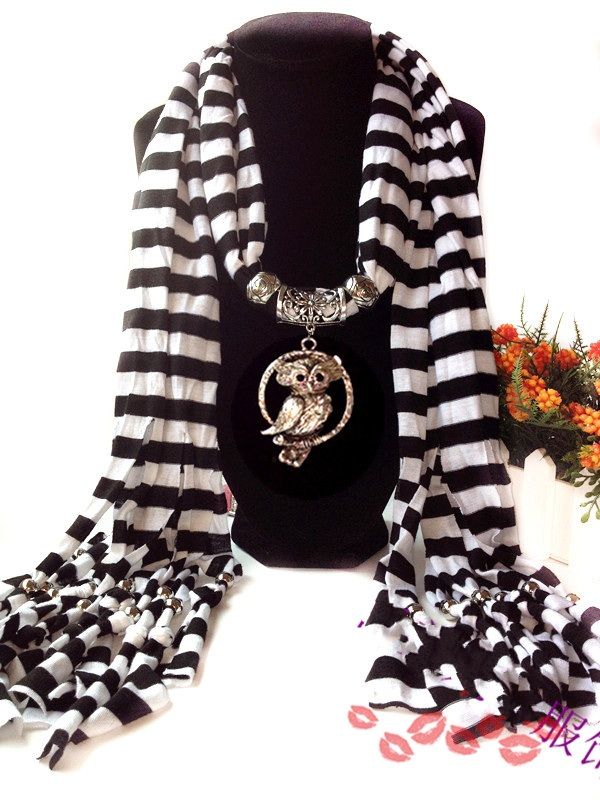 1 Stripes Pattern Scarf with pendant attached