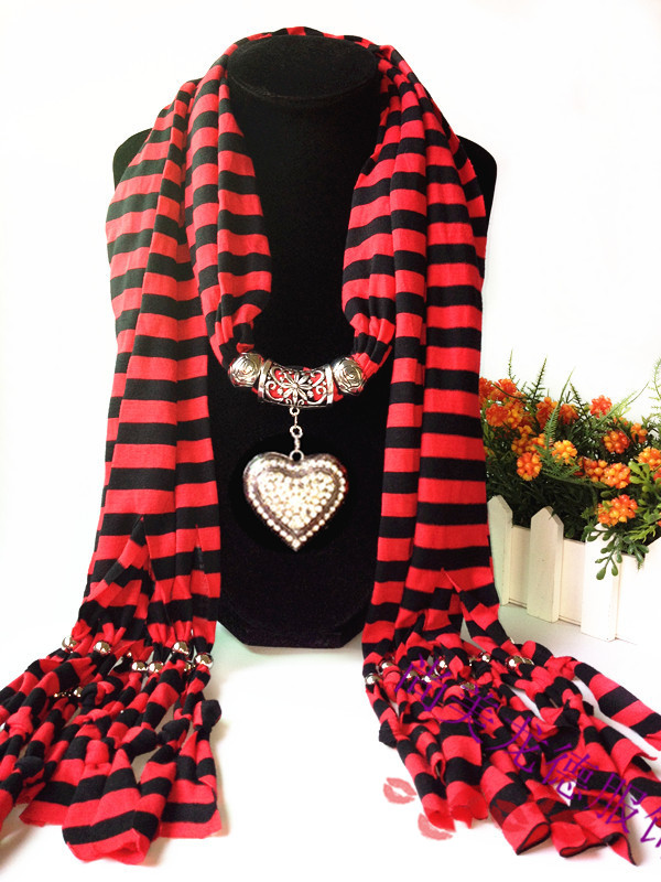 1 2014 NEW DESING OF HEART PATTERN SCARF