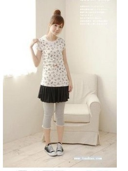Cute Laciness Cropped Girls Tights Outfit Online - Click Image to Close