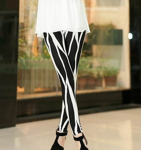 Fashion black and white leggings for wholesale