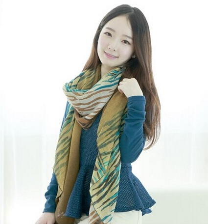 SEO_COMMON_KEYWORDS Tiger Print Viscose Scarf/Shawls