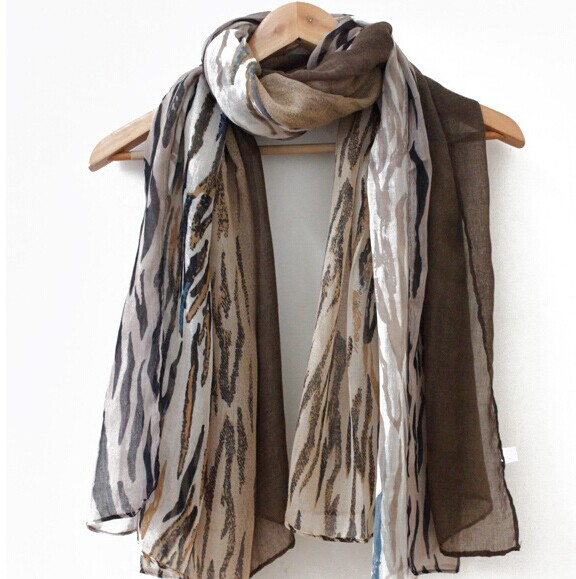 Tiger Print Viscose Scarf/Shawls - Click Image to Close