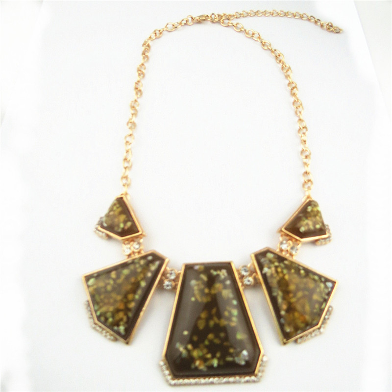 Golden Chain Attached Amber Pends Necklace