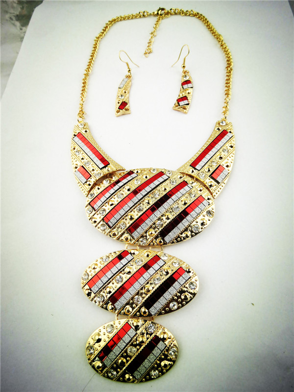Three Red Golden Oval Pends Wholesale Necklace