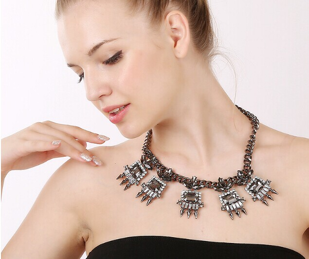 15 Necklace 088