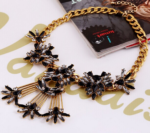 15 Necklace 095