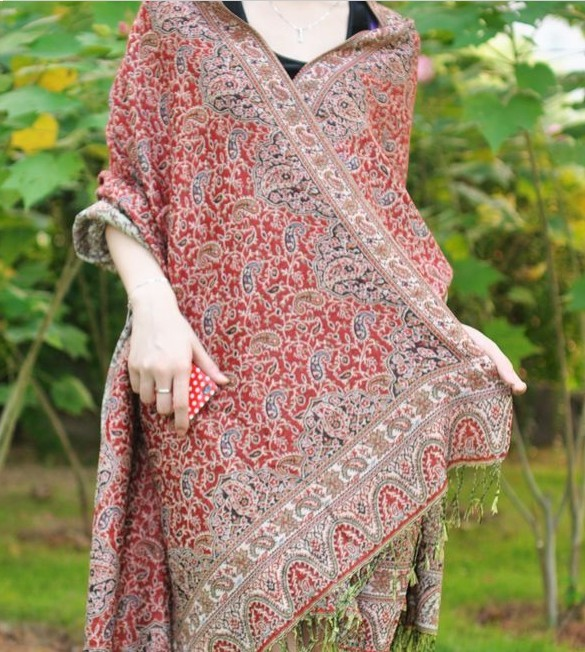 Luxurious Paisley Pashmina Shawls Wholesale UK