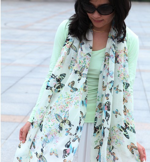 1 Polyester Scarf with Colorful Butterfly Pattern