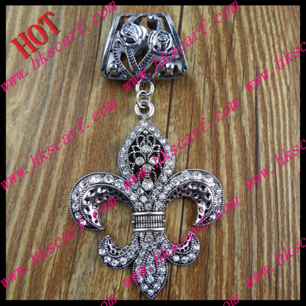 030 Pendant For Scarf