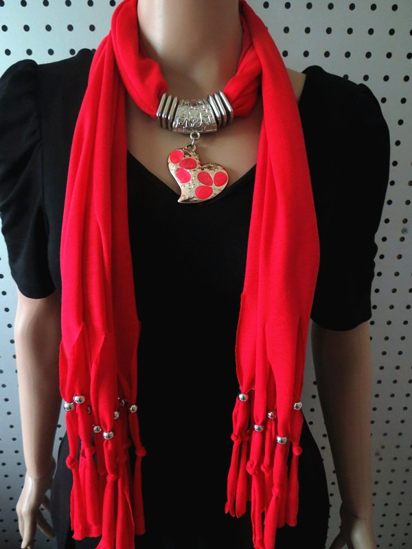 011 Newest fashion heart design Pendant Scarf