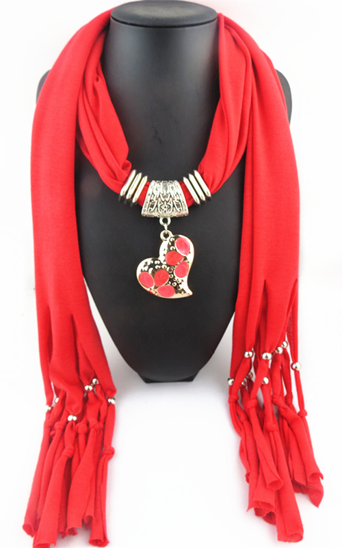 011 Newest fashion heart design Pendant Scarf - Click Image to Close