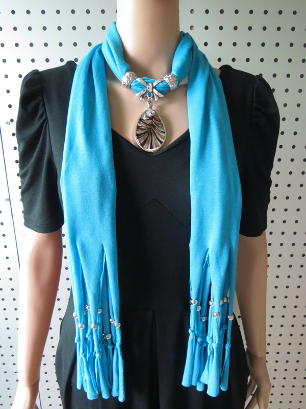 001 Small Water Drop Glass Pendents Scarf