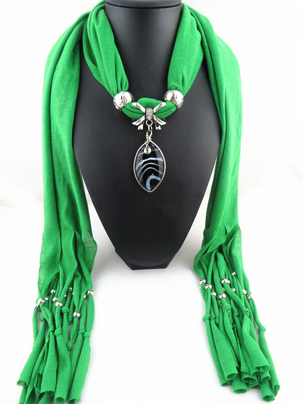 Black Leaf Pendant Scarf USA