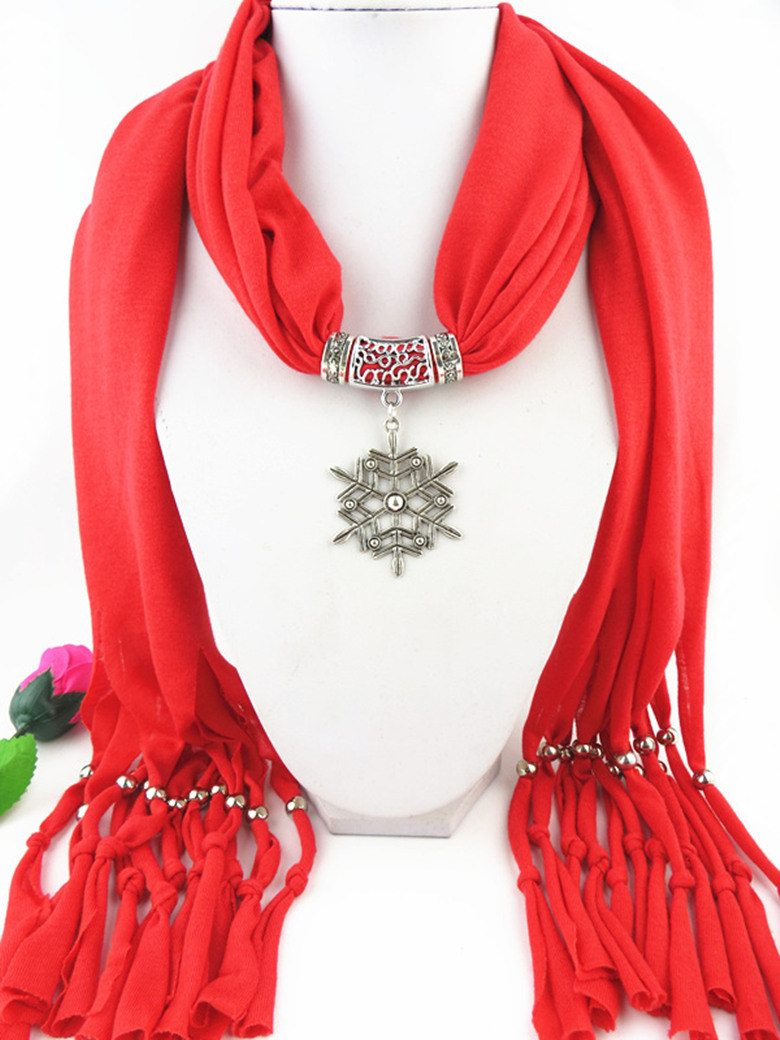 2014 Jewelry Scarf with Snowflake Design Pendant