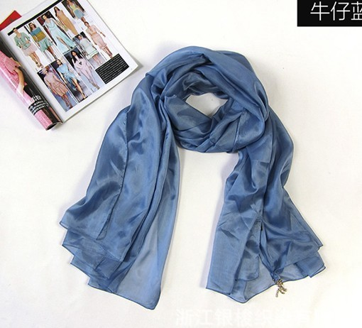2013 Top quality 100% natural silk scarf wholesale in Canada