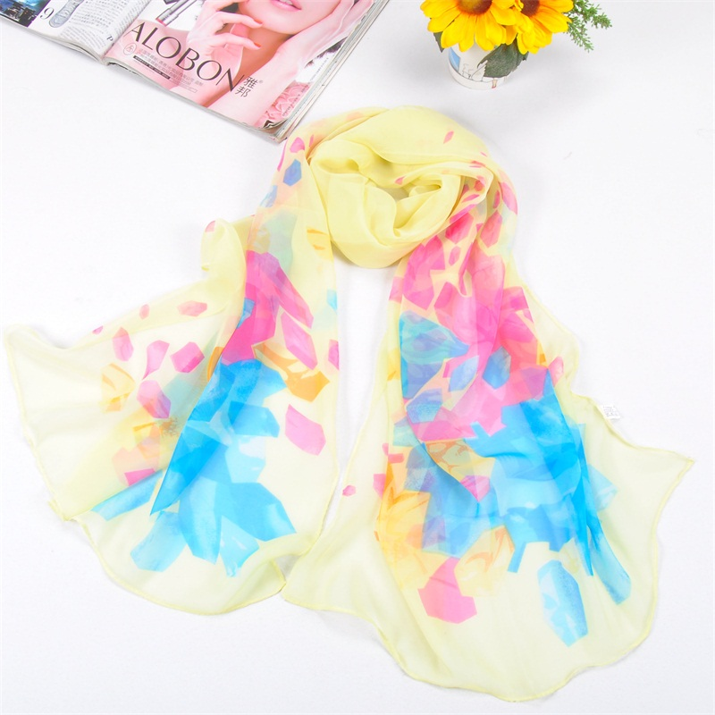 001 Diamond shaped print silk scarf for women