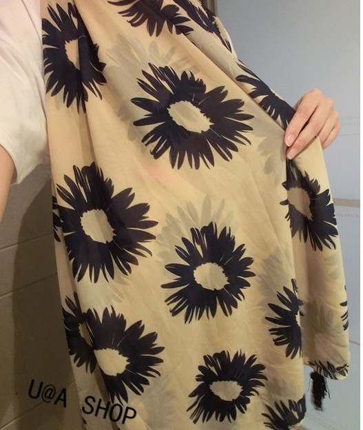 SEO_COMMON_KEYWORDS 1 Flower Design Viscose Scarf Singapore