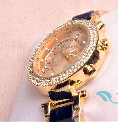 Nice Watch Decorated with Rhinestone Arounded - Click Image to Close