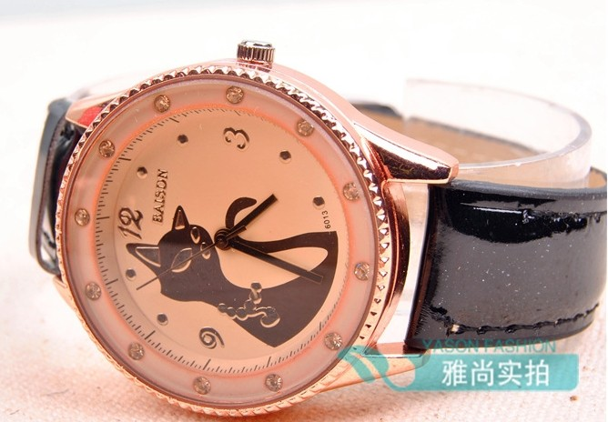 Elegant Black Cat Design Big Watch for Sale