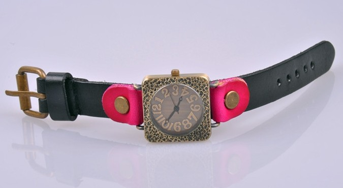 Design Square Face Leather Strap Watch for Women