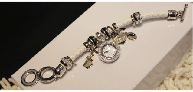 Bracelet Watch with Lovely Pendant Attached