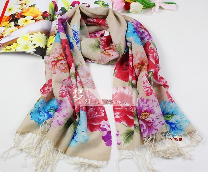 2013 Wholesale Scarf/Wrap with 100% Wool Materials