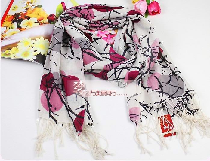 SEO_COMMON_KEYWORDS Lady'S WOOL scarf with fashion designs