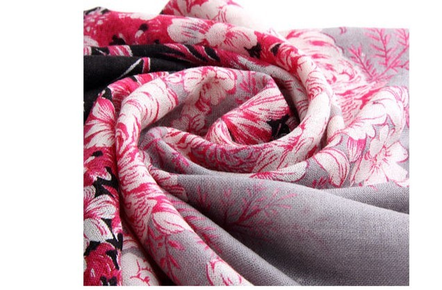 Flowers Designs Wool scarf for lady 2013