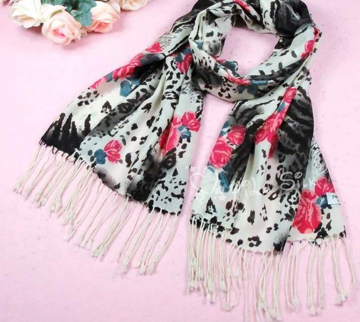 100% wool scarf/shawl wholesale Sweden