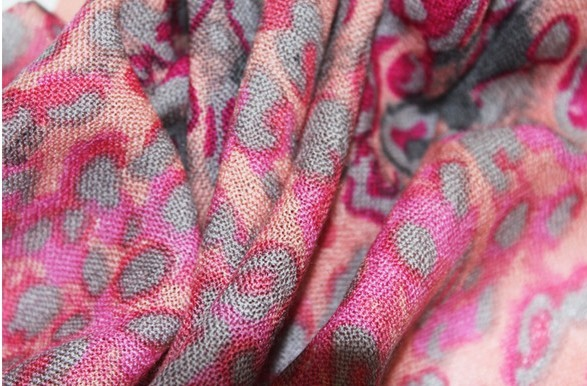Animal Print Designs Wool scarf for lady 2013