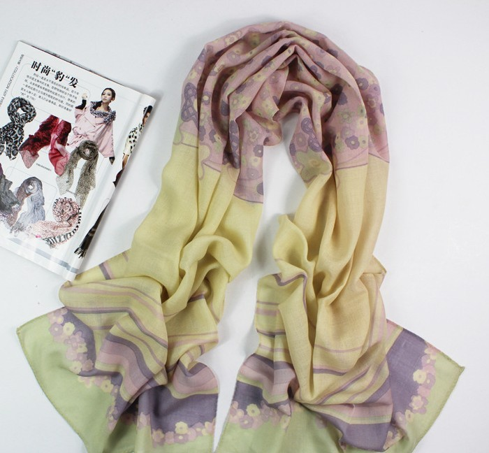 SEO_COMMON_KEYWORDS Cream And Purple 100%Wool Scarf Wholesale Paris