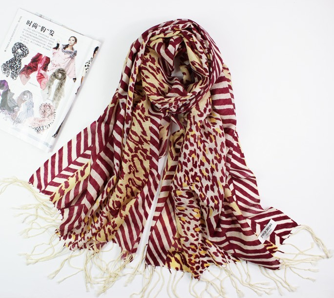 Animal Print and Long Design wool scarf with 3 colors option