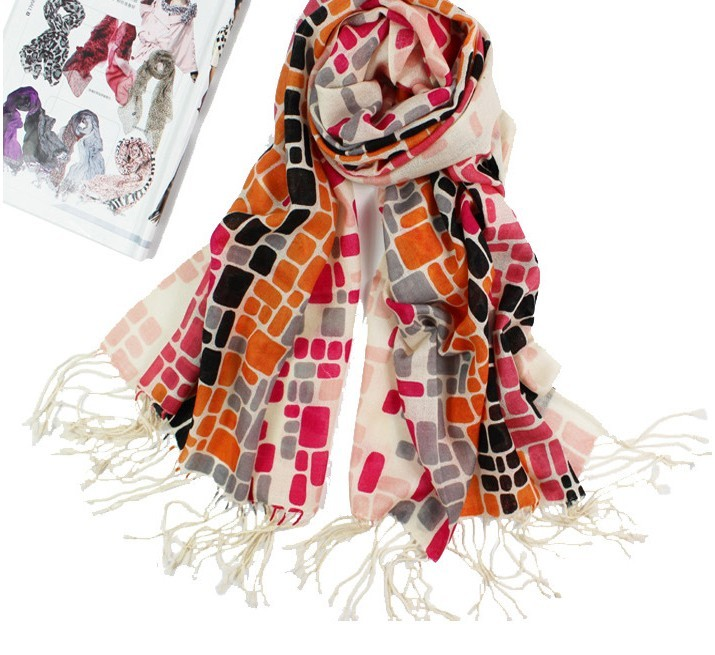 Art Designs Long 100% Woolen Girls Scarf/Wrap With Tassels